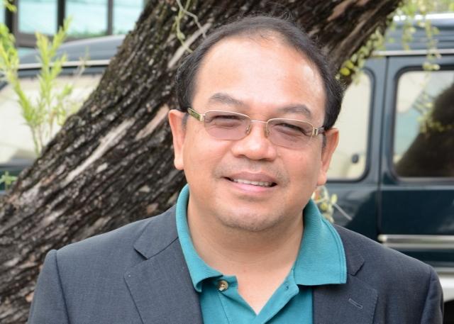 Dr. Jangmook Manoch