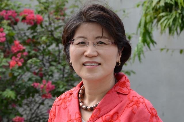 Dr. Jung Sook Lee